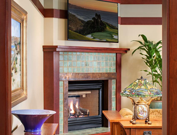 Thorsen Suite Entrance Fireplace