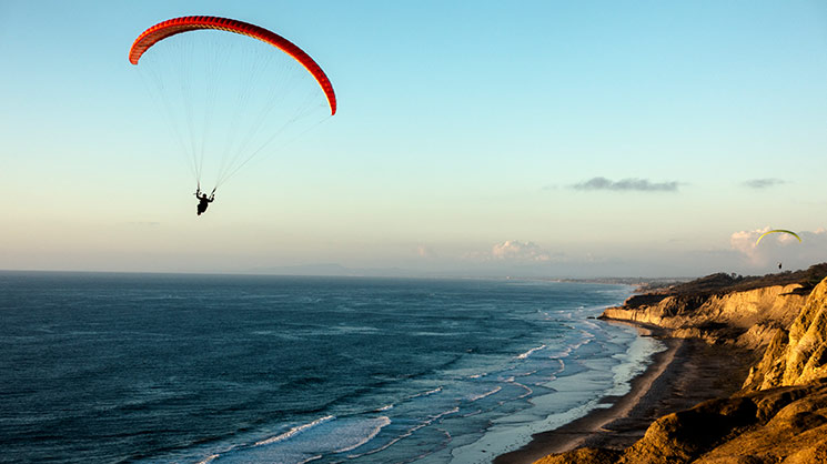 Hang glider over Torrey Pines golf course