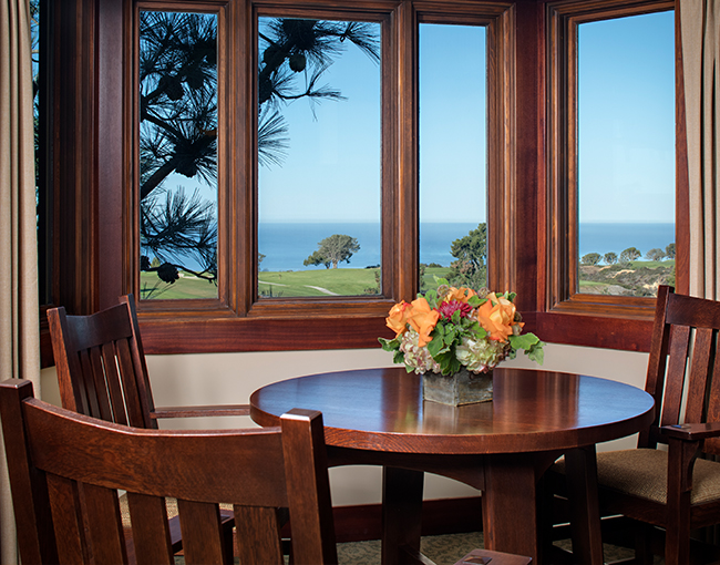 Makinson Suite with sweeping views of the Pacific Ocean