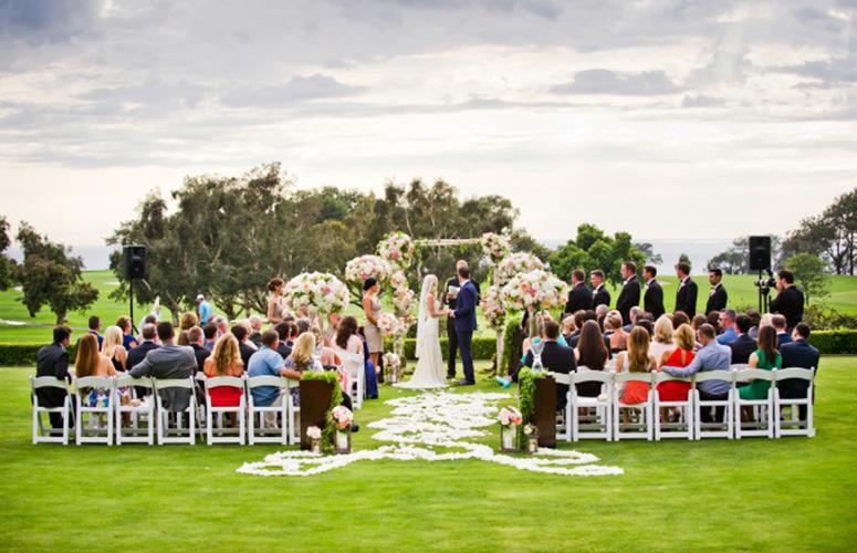 Wedding ceremony on the Arroyo Terrace overlooking Torrey Pines golf course